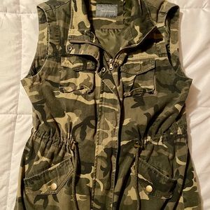 Camo Boutique Vest with pockets